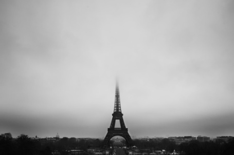 Only 8 hours of weak sunlight can make even Gay Paree, grey