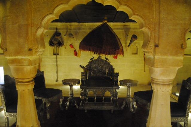 The throne of Jaisalmer state. The umbrella above signifies the protection of Lord Vishnu.